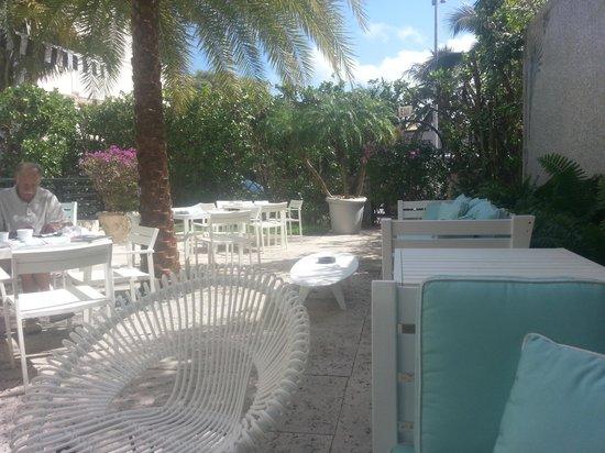 Hotel Astor: super cute outdoor area