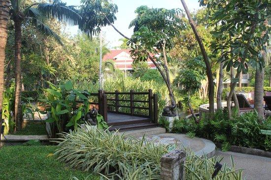 Wora Bura Resort & Spa : дорога к пляжу