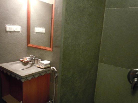 Madri Haveli : Bathroom room 401
