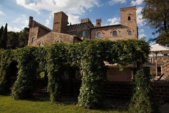 Castello di Monterone: Amazing greenery