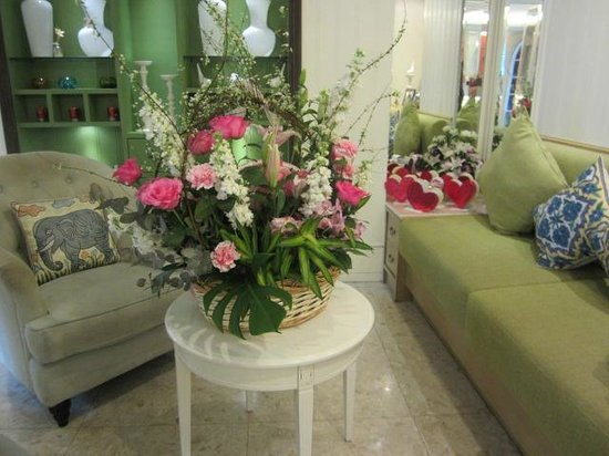 Salil Hotel Sukhumvit - Soi Thonglor 1: Lobby decorations for Valentines day