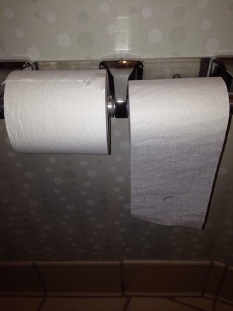 SpringHill Suites Seattle Downtown/South Lake Union : Toilet paper