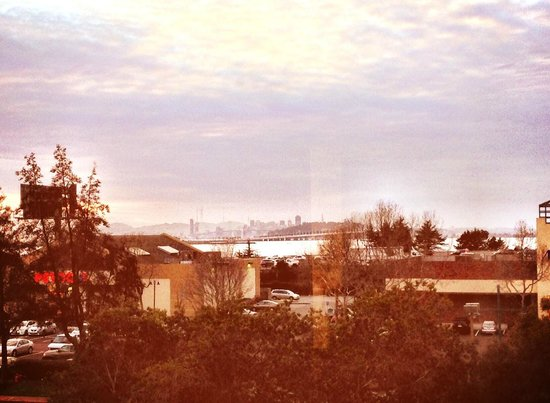 Four Points by Sheraton San Francisco Bay Bridge: View from room