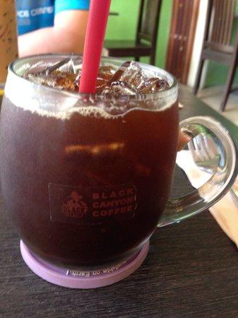 Black Canyon Coffee: Iced black coffee