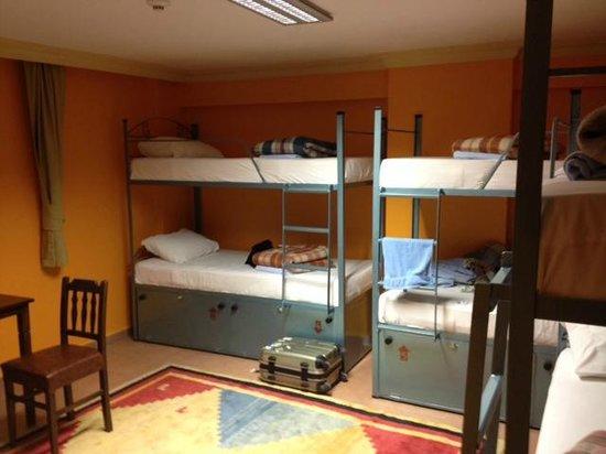 Agora Guesthouse: 部屋