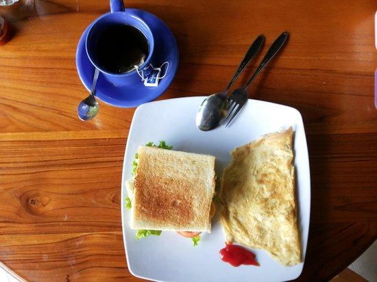 Prapen Bungalows: breakfast