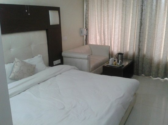 Hotel Diamond Plaza : Room