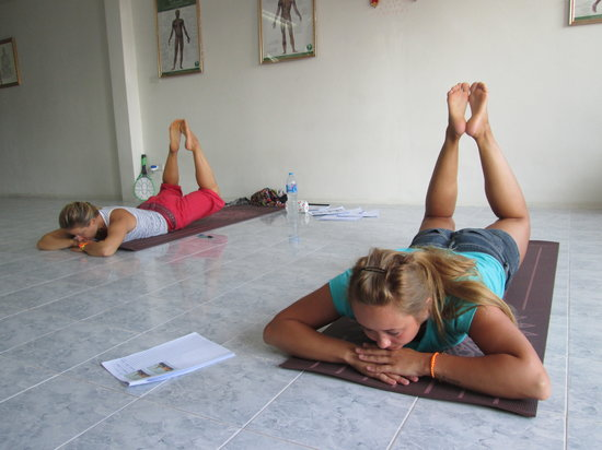 Suai Thai Massage Center: Thai Yoga Rusie Dutton in Phuket 3
