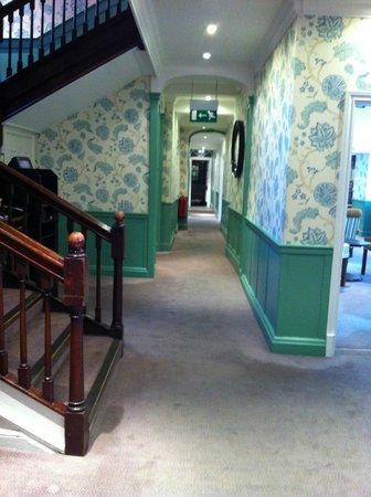 Mercure Salisbury White Hart Hotel: Lobby