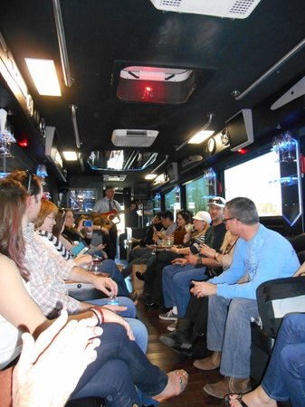 Napa Valley Wine Country Tours : Disco Bus