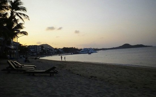 Baan Bophut Beach Hotel: lovely beach at dusk