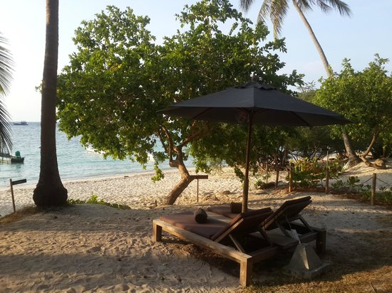 Haadtien Beach Resort: My private beach