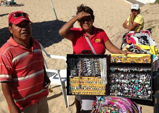 El Cid Castilla Beach Hotel: beach vendors (ensure 925 silver)
