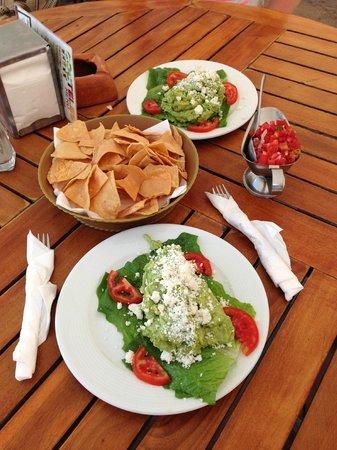 El Cid Castilla Beach Hotel: chips salsa guacamole -mmm