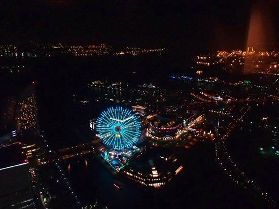 Yokohama Royal Park Hotel : コスモワールドの観覧車