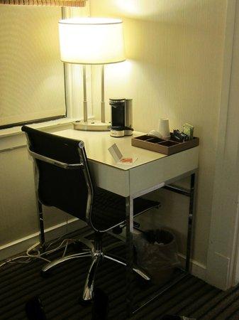 Hotel Union Square: Small table