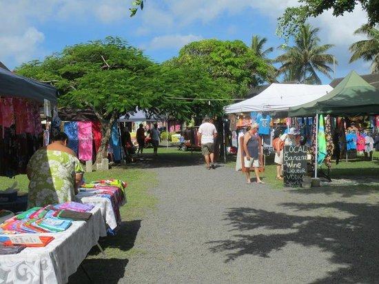 Punanga Nui: パレオや雑貨も売っています