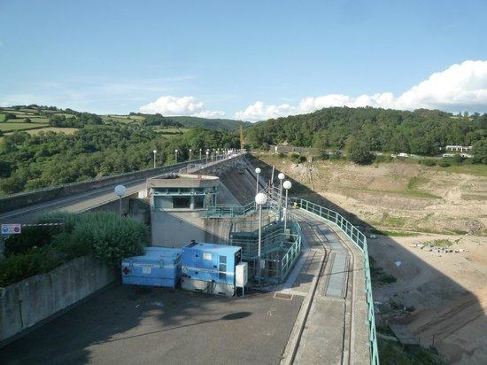 Le Domaine de Panneciere : Le barrage de pannecière en travaux de réfection