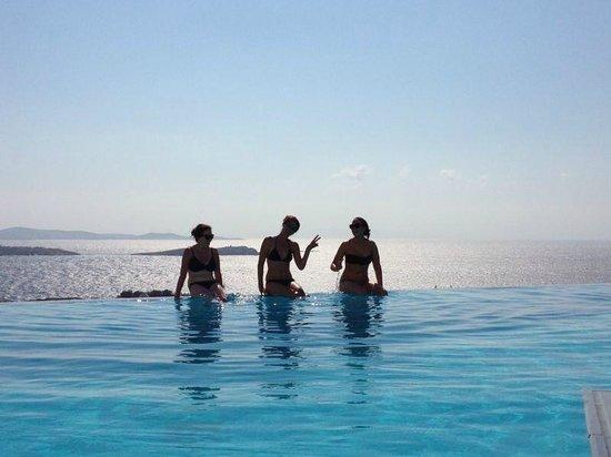 Vencia Hotel : amazing infinity pool
