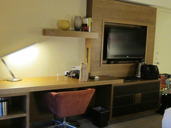 Grand Hyatt San Francisco : TV/Desk