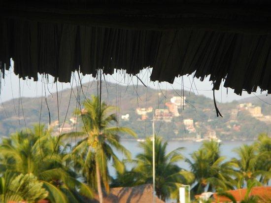 Hotel Villas Las Azucenas: Looking accross the bay