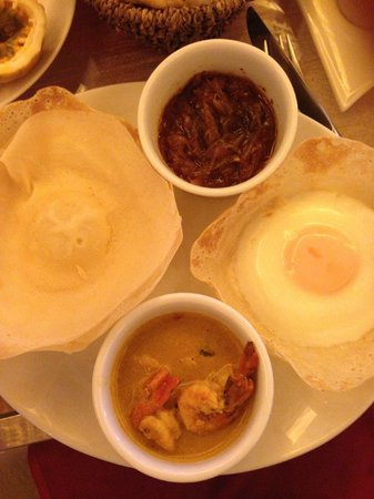 Casa Colombo: sri lankan breakfast -hoppers