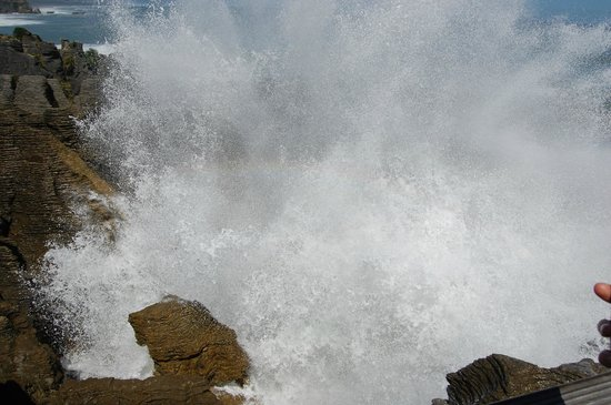 Pancake Rocks and Blowholes Walk: Water Explosion High Tide