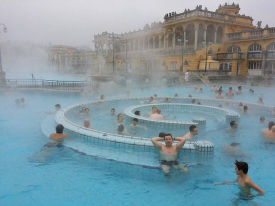 Széchenyi Baths and Pool: Winter relaxing :-)