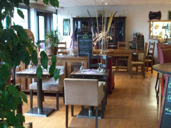 Salle picture of restaurant a la salle a manger le for Restaurant salle a manger