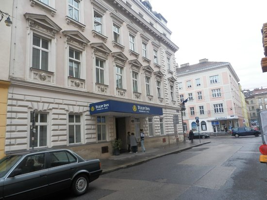 Tulip Inn Vienna Thueringer Hof: Hotel entrance
