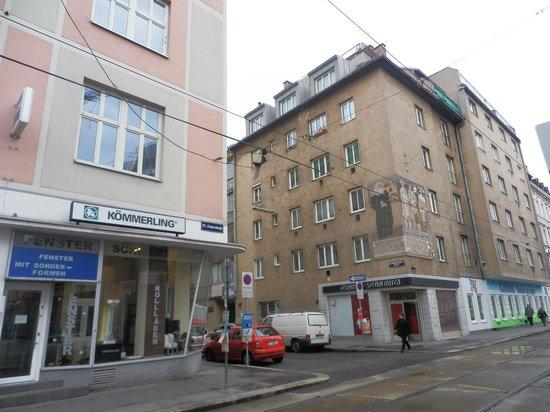 Tulip Inn Vienna Thueringer Hof: View from room