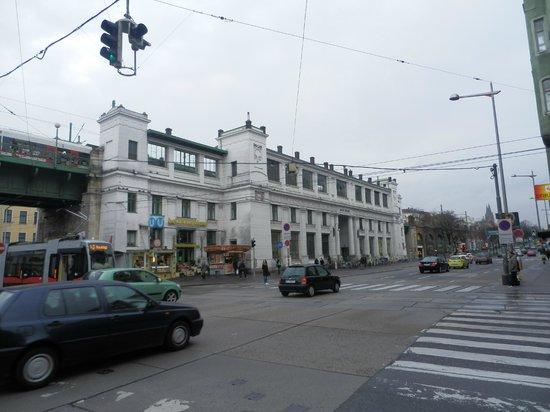 Tulip Inn Vienna Thueringer Hof: Nearby metro station