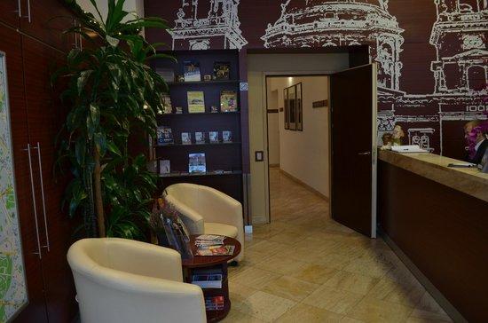 Hotel Central Basilica : Sala de estar