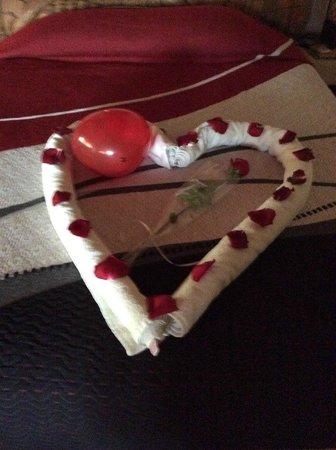 Hotel Villas Las Azucenas: Special Valentine's Day Treat On Bed (Feb. 2014)