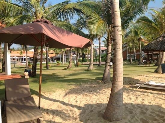 Famiana Resort & Spa : Aussicht vom Strand in die Anlage