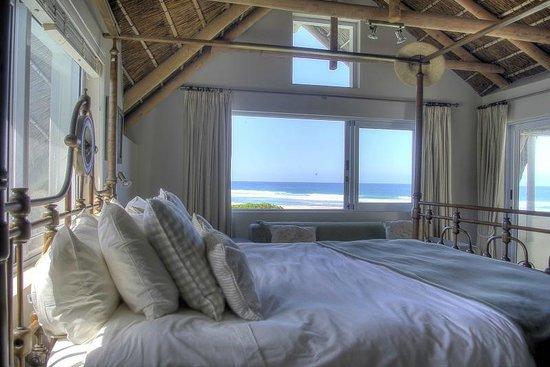 Cape St Francis Resort: Beach Break villas - sea facing room