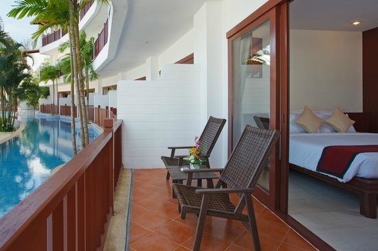 Arinara Bangtao Beach Resort: Room - Pool Access