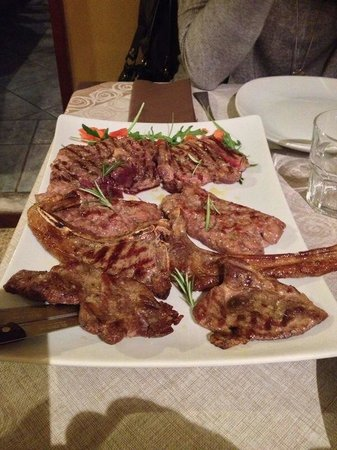 La Quercia: Grigliata mista di carne