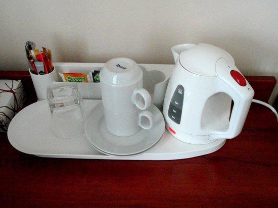 Kampa Garden: electric kettle, coffee and tea