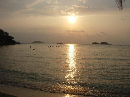 Khlong Prao Beach: Swimming at sunset