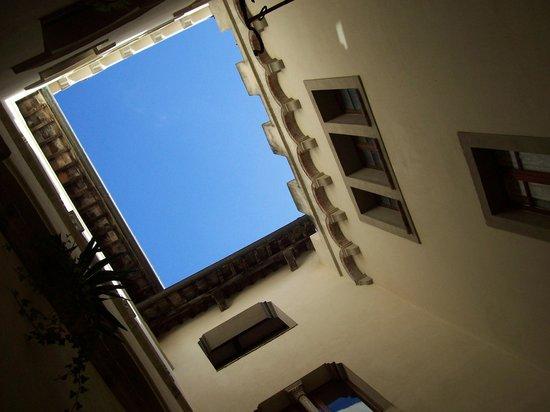 Residenza d'Epoca Palazzo Malfatti: Il chiostro