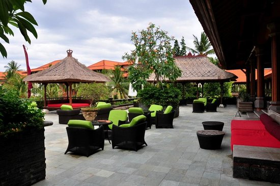 Ayodya Resort Bali: lobby bar