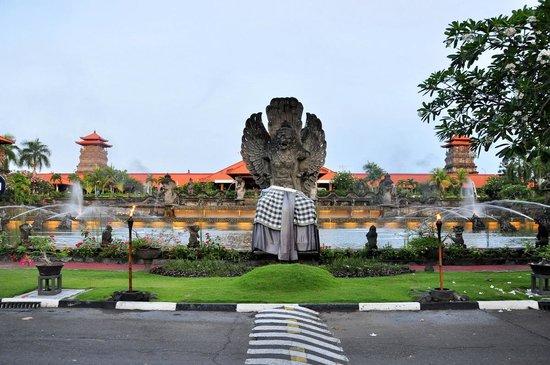 Ayodya Resort Bali: Ayodya resorts from outside
