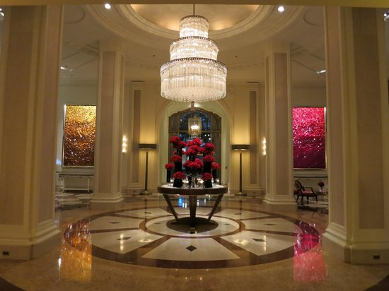 Beverly Wilshire Beverly Hills (A Four Seasons Hotel): Hotel Lobby