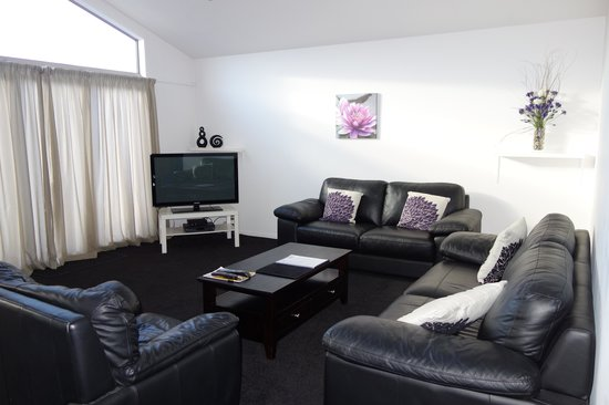 Distinction Wanaka: Enough room for a family of 6 to spread out and relax!