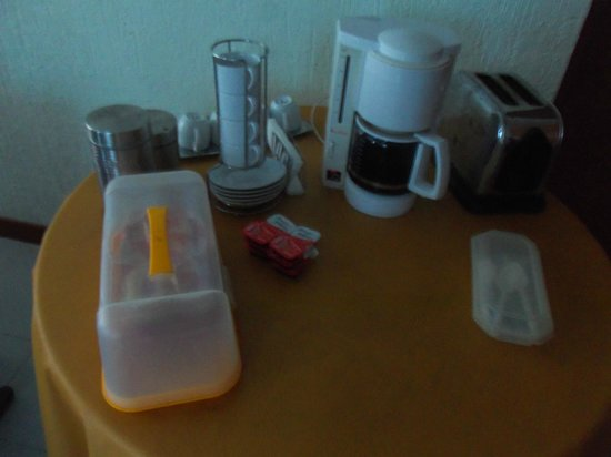 Mundo Maya Hostel : This is breakfast!?