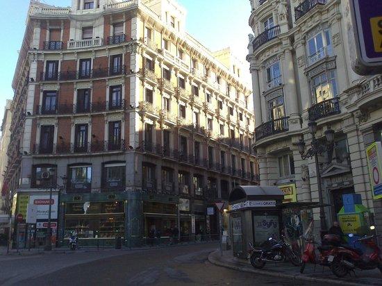 Plaza de Canalejas: Linda Plaza
