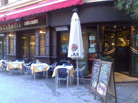Cafe de Levante: Que hermosa terracita !!