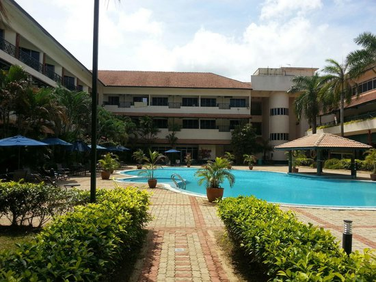 The Qamar Paka, Terengganu: Swimming pool