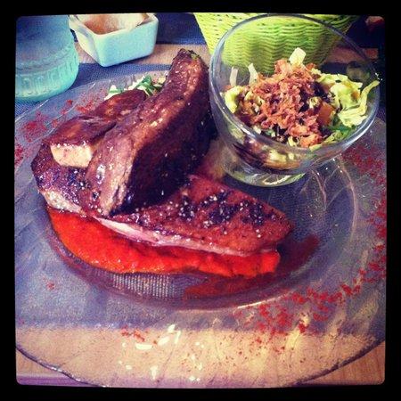 A Table : Magret de canard entier cuit avec son foie gras poêlé et sa purée de pomme de terre maison